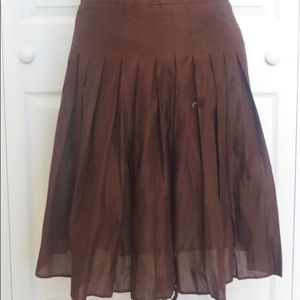 Casual corner size 6 brown pleated skirt